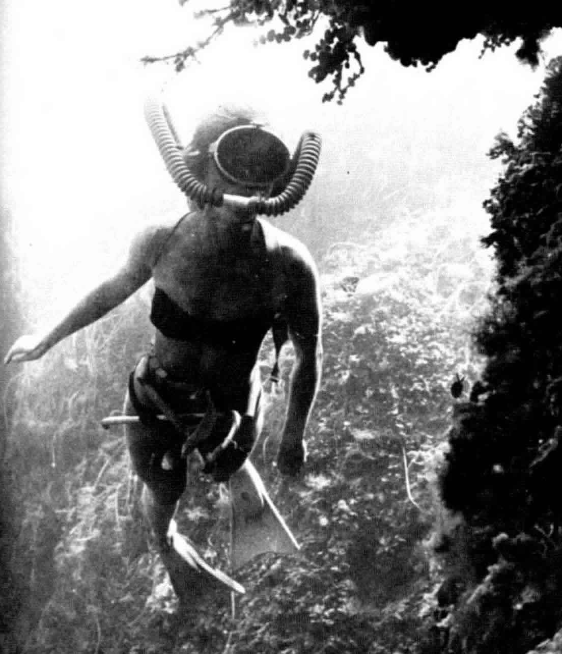 Black and White Scuba Woman Picture